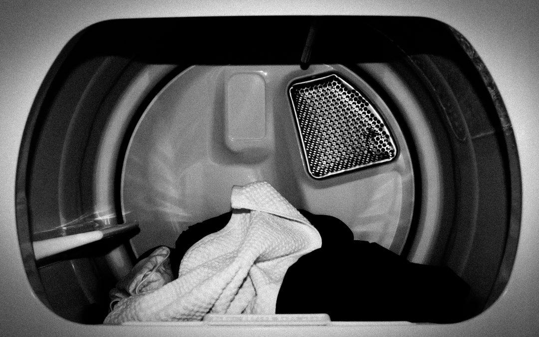 Sådan undgår du sur lugt i vaskemaskinen